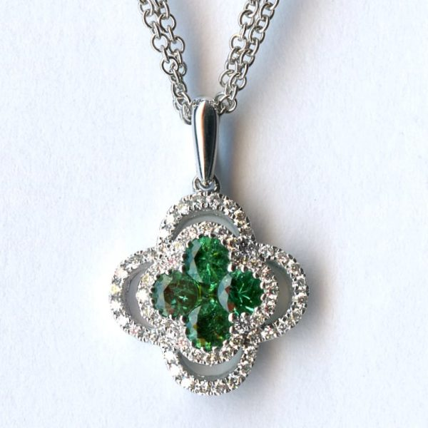 White gold emerald and diamond pendant 1