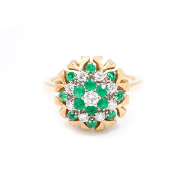 VINTAGE YELLOW GOLD EMERALD AND DIAMOND CLUSTER RING 1